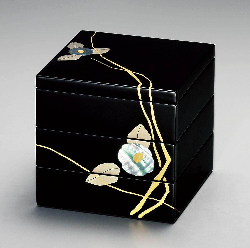 bentobako3106 3 - 【手描き蒔絵・消し蒔絵】越前塗 貝椿 三段重(15.2×15.2×高さ14.8cm)[1組]【お正月】